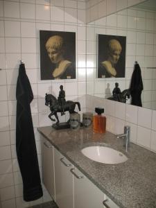 A bathroom at Esben Juhls Guest Room
