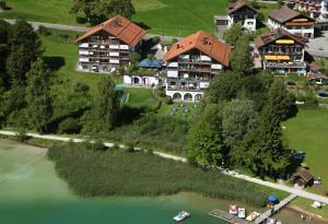 Blick auf Appartement-Hotel Seespitz aus der Vogelperspektive