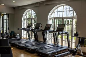 The fitness center and/or fitness facilities at Four Seasons Hotel Hampshire