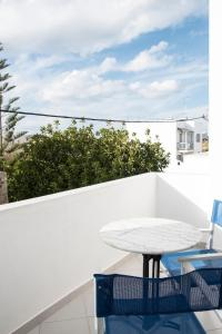 A balcony or terrace at Ikaros Studios & Apartments