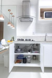 A kitchen or kitchenette at Apartamento Ondina