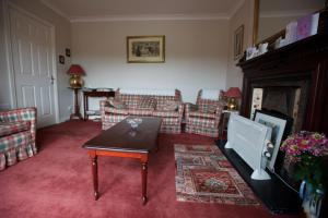 A seating area at Ard Na Greine Country House