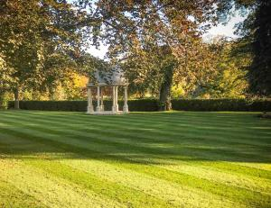 A garden outside Wentbridge House Hotel