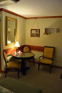 A seating area at North Star Motel