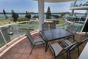 A balcony or terrace at Mirage, Unit 502 6-8 Manning Street