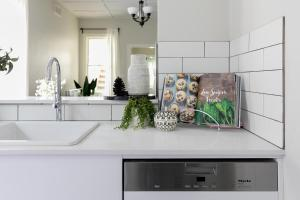 A kitchen or kitchenette at Walk everywhere in the city from a historic home