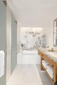 A bathroom at Jing An Shangri-La, West Shanghai