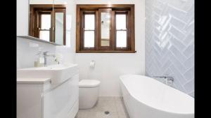 A bathroom at Stay at Meurant Wagga