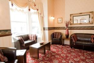 A seating area at White Heather Hotel