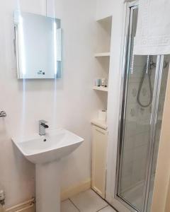 A bathroom at Littledean House Hotel