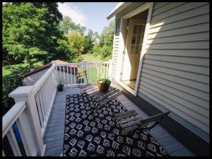 A balcony or terrace at Burdett House Bed & Breakfast