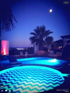Πισίνα στο ή κοντά στο Angela Hotel