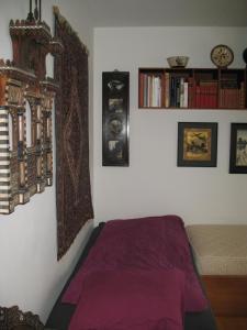 A bed or beds in a room at Esben Juhls Guest Room