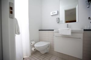 Et badeværelse på Best Western Hotel Hebron