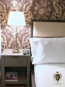 A bed or beds in a room at Relaxing Private Studio near LaGuardia Airport