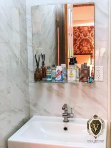 A bathroom at Relaxing Private Studio near LaGuardia Airport