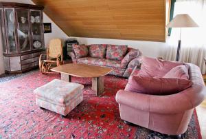 Ein Sitzbereich in der Unterkunft Waldhotel Stein