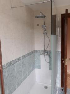 Un baño de El Roble Holidays
