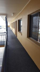 A balcony or terrace at International Lodge Motel