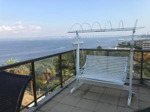 A balcony or terrace at Apto Horizonte Niterói