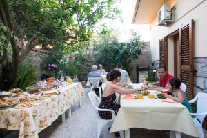 Ristorante o altro punto ristoro di B&B L'Albero Dei Limoni