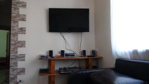 Телевизор и/или развлекательный центр в Гостевой дом Чистый берег