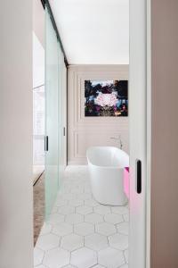 A bathroom at Mercure Kaliningrad