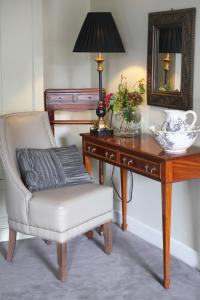A seating area at No.1 Pery Square Hotel & Spa