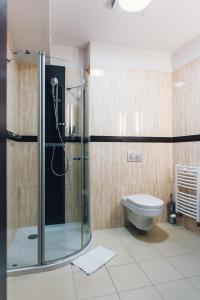 Łazienka w obiekcie Hotel Admirał
