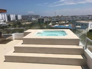A view of the pool at Casa 33 Sotavento Paracas or nearby