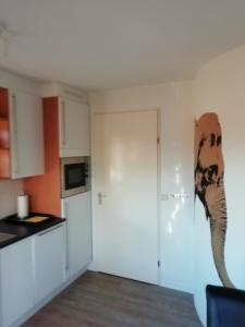 Een keuken of kitchenette bij Frejus 134