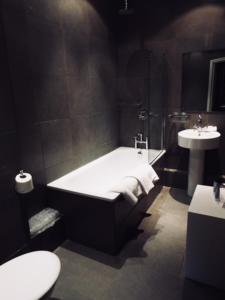 A bathroom at Milsoms