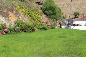 Um jardim no exterior de Country house Quinta da Salgueira