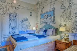 A bed or beds in a room at Lavender Circus Hostel, Doubles & Ensuites
