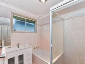 A bathroom at Bass House
