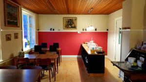 En restaurant eller et andet spisested på Sverre's Hotel