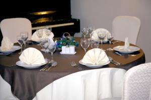 Ресторан / где поесть в Гостиничный комплекс Бригантина