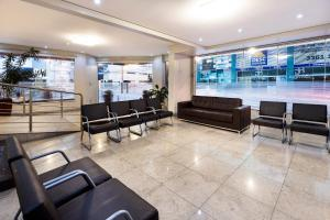 The lobby or reception area at HG Gênova Hotel