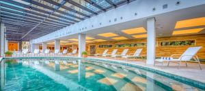 The swimming pool at or close to Wyndham Gramado Termas Resort & Spa