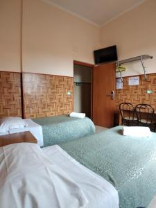 A bed or beds in a room at Cressy