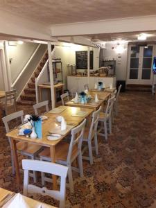 A restaurant or other place to eat at Dorset Hotel, Isle of Wight