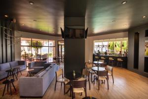 Un restaurante o sitio para comer en Panamericana Hotel Arica