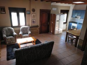 A seating area at Casa rural La Franca