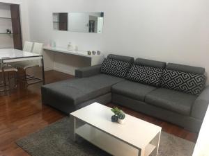 A seating area at KK.Allience Apartamentos, lda