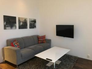 A seating area at Lofoten Suiteapartments