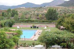 A view of the pool at Casa dos Araújos or nearby