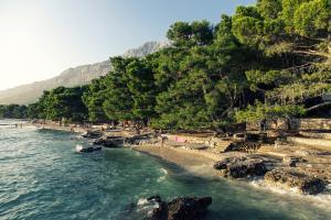 Pláž u prázdninového areálu
