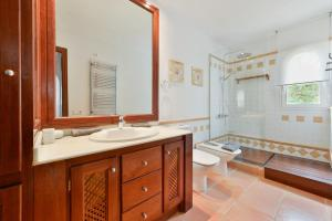 A bathroom at Villa Can Cunsey