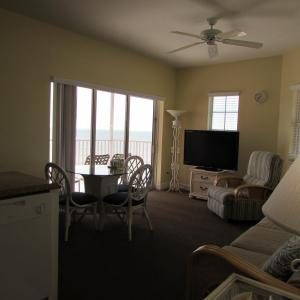 Гостиная зона в Edison Beach House