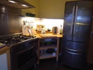 A kitchen or kitchenette at Gite de Montricoux